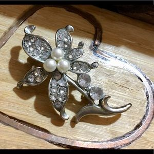 Vintage Silver-Tone Faux Pearl Crystal Flower Pin